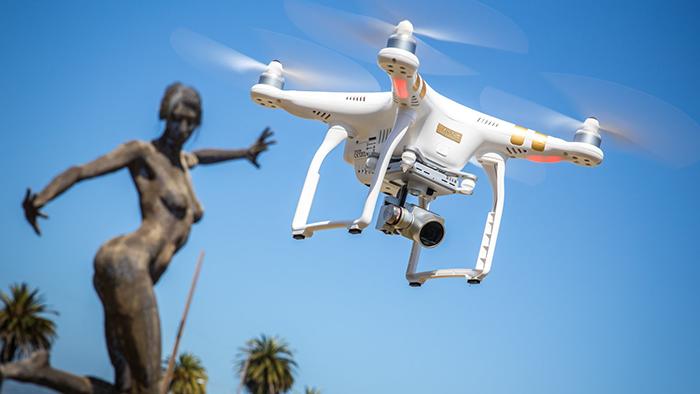 Le regole per l'utilizzo di un drone a scopo amatoriale